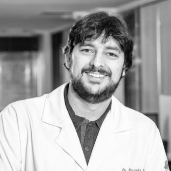 Dr. Ricardo Araújo de Souza